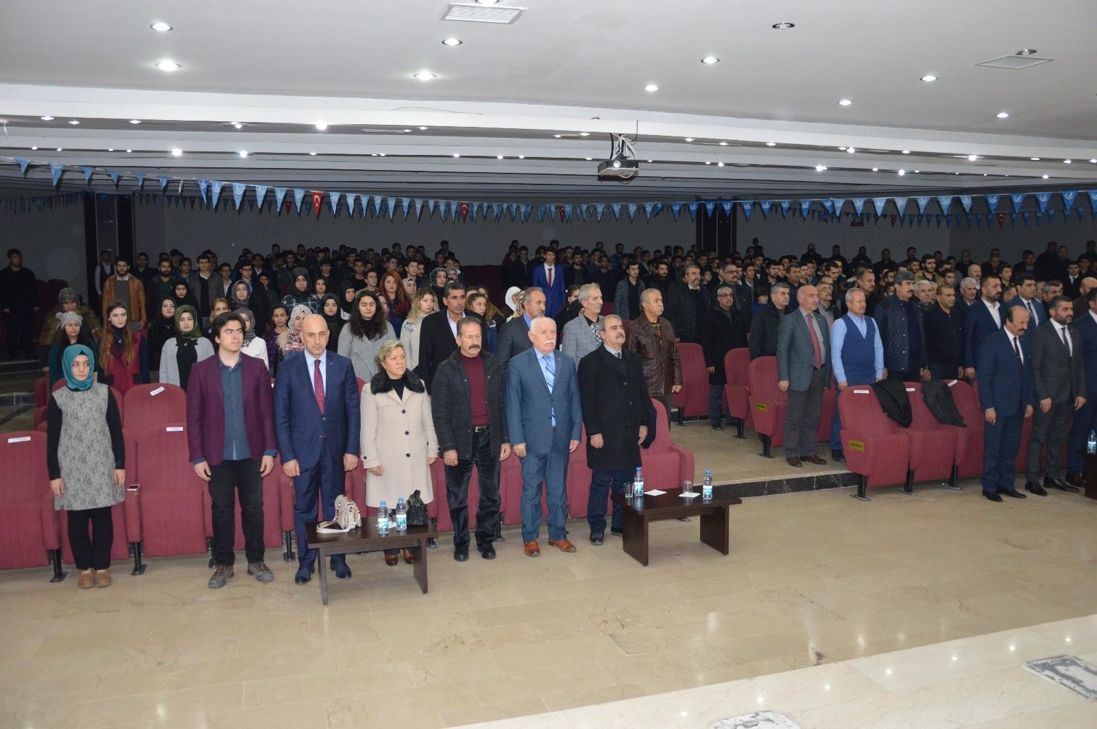 ÜLKÜ OCAKLARINDAN ALPARSLAN TÜRKEŞ'İ ANMA KONFERANSI