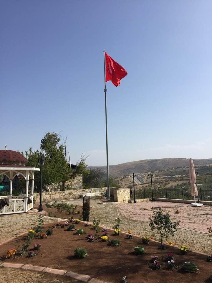 ARAPGİR'E DEV TÜRK BAYRAĞI DİKİLDİ