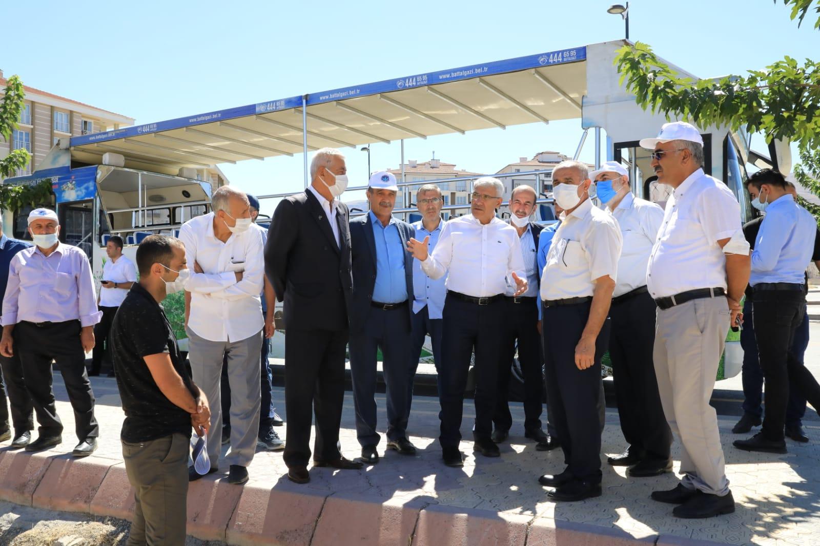 STK TEMSİLCİLERİ BATTALGAZİ'DEKİ YATIRIMLARI GEZDİ